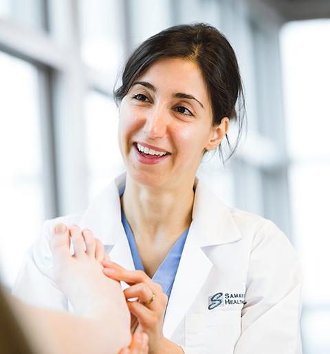 Dr. Arezou Amidi, DPM, podiatry